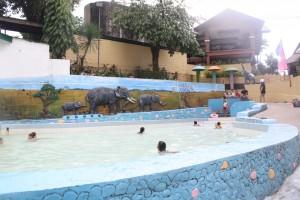 The kiddie pool.